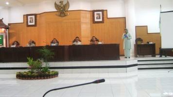 Prtmn di Kota Pas_anggaran pend 30 persen di Kot Pas_bhs bersm Walikota Pas (H. Aminurokhman) dan Wk Ket DPRD Kt Pas