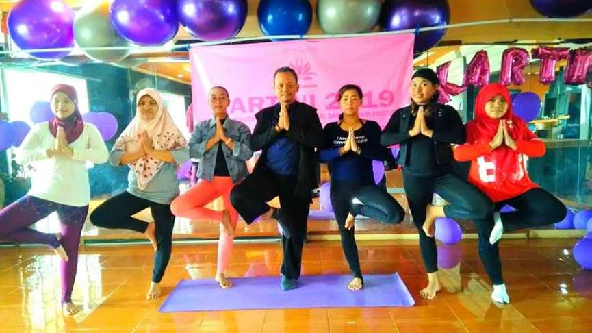 Kesimbangan Satu Kaki Berdikari Meditasi Miracle Ways Wawan Kuswandoro